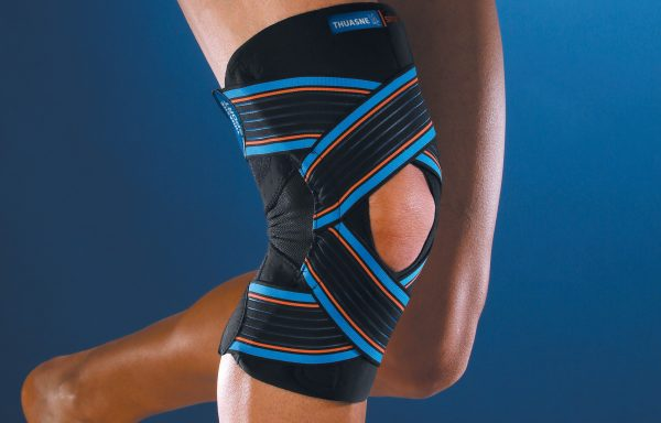 Sport kniebrace met elastische banden